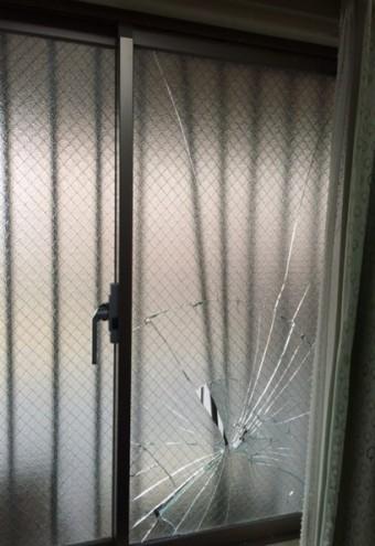 【施工前】静岡県浜松市西区にてガラス割れと面格子被害
