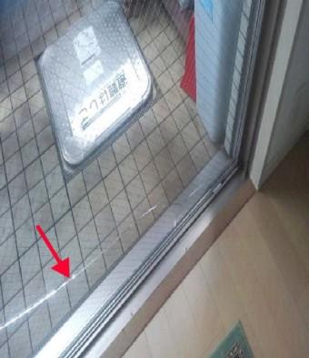 【施工前】静岡県浜松市東区のマンションにて熱によるヒビ割れ