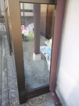 【施工後】浜松市中区の戸建て住宅にてヒビ割れ発生でガラス交換