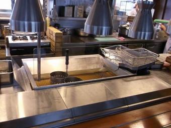 【施工後】浜松市西区の飲食店にて揚げ場前のガラスに熱割れ発生