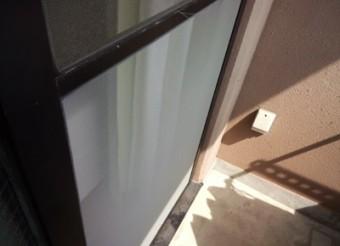 【施工後】静岡県浜松市浜北区のマンションで外れた網戸の張替え