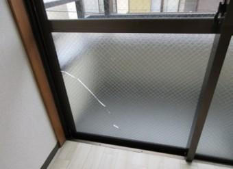【施工前】浜松市東区の賃貸アパートにて熱によるヒビ割れ発生