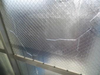 【施工前】静岡県浜松市南区のアパートで熱かサビによるヒビ割れ