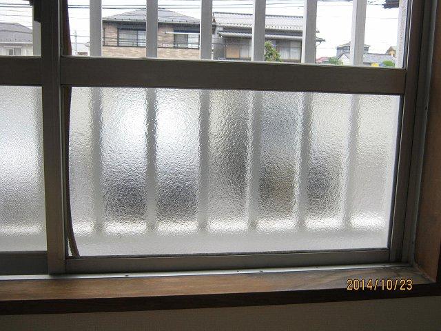 【施工後】静岡県袋井市の賃貸アパートにてイタズラによるガラス破損