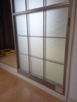 【施工後】静岡県浜松市中区の戸建住宅にて障子下半分のガラスが破損